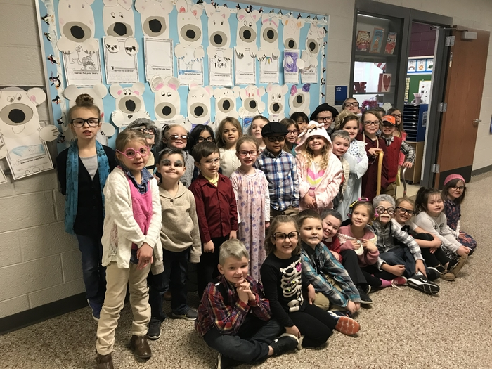 Kindergarteners dress like they are 100 on the 100th day of school!